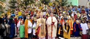 Buntes: Für Gott auf die Straße gehen – Weihbischof Brahm eröffnet Sternsingeraktion in Wiesbach