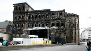 Freizeit: Altstadtfest 2012 – Aufbauarbeiten in vollem Gange