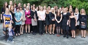 Buntes: Karl Borromäus Schule feiert Examen