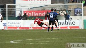 Lage der Regionalliga: Fan-Rückhalt in Offenbach, fliegende Eier in Homburg