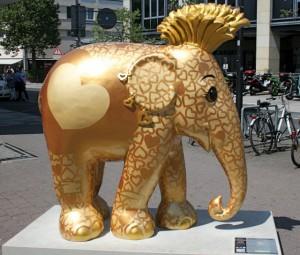 Elephant Parade: Elefanten werden versteigert