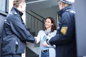 Polizei hilft beim Einbruchschutz