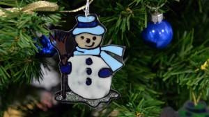 Die Schaubs hängen am Weihnachtsbaum