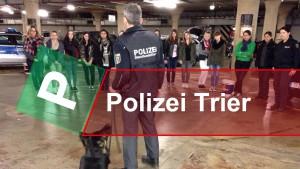 Polizei-Mädchen