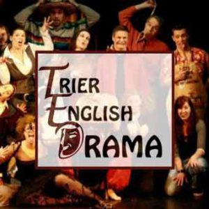Trier English Drama: Blue Stockings feiert Premiere