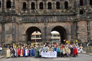 Mehr als 2.600 Sternsinger sorgen für segensreiche Premiere