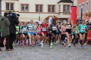 28. Silvesterlauf in Trier mit Favoritensiegen