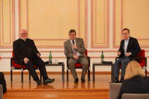 Diskussion mit Kardinal Marx und Wirtschaftsexperte Hüther