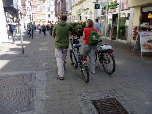 Fahrradfahren in der Fußgängerzone – nur wenn es erlaubt ist