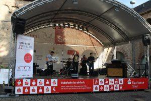 Nachwuchsmusiker auf der Bühne