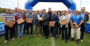 Stadtsportverband übergibt weitere Defibrillatoren
