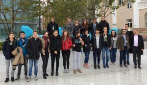 Chemie Leistungskurse des FWG erhalten Einblicke bei Merck in Darmstadt
